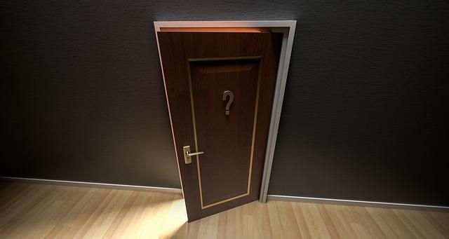 pintu geser vs pintu lipat